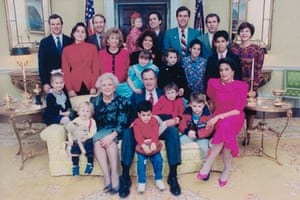 A 1989 portrait of the Bush family in the White House.