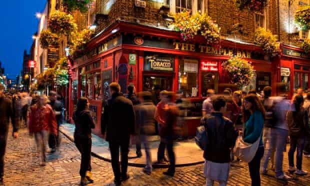 dublin's temple bar area