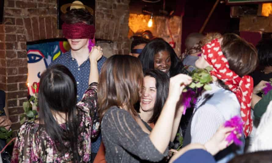Blindfold speed dating at Shhh in London