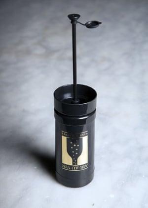 Air au vin wine gadget