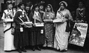 Princess Duleep Singh, second left, and others collect funds to help soldiers at the front during th