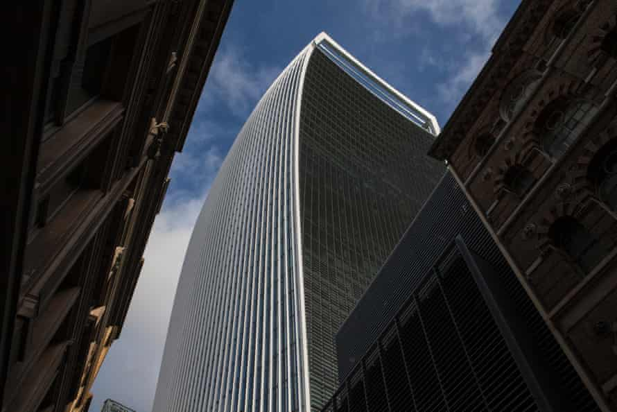 20 Fenchurch Street is a commercial skyscraper in London that takes its name from its address on Fenchurch Street, in the historic City of London financial district. It has been nicknamed The Walkie-Talkie because of its distinctive shape.buildingarchitecturewalkietalkiecitylondonarchitectsfinancedesign