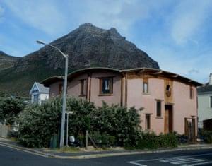 Samhitakasha Cob House, Muizenberg,South Africa