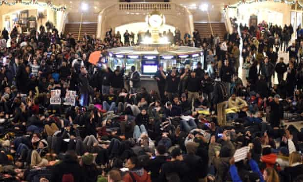 Protesters lay down in Grand Central Station