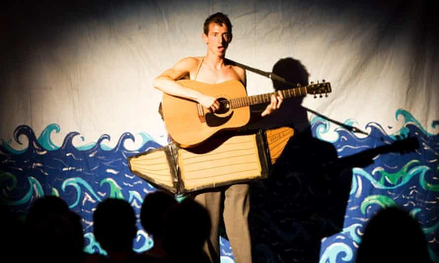 Little Bulb performing Sporadical