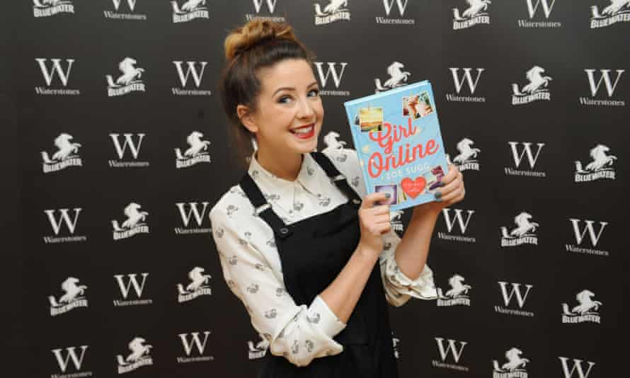 YouTube fashion and beauty blogger Zoella has sent her teen fans into a frenzy at signings of her debut novel.