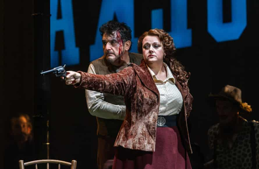 Alwyn Mellor as Minnie with Rafael Rojas as Dick Johnson in Opera North's La Fanciulla del West.