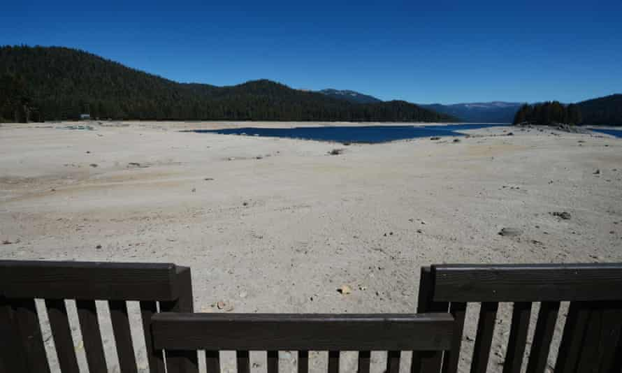 This photo shows the dried up lake bed of Huntington Lake which at only 30% capacity as California is gripped by its worst drought in over a millennium.