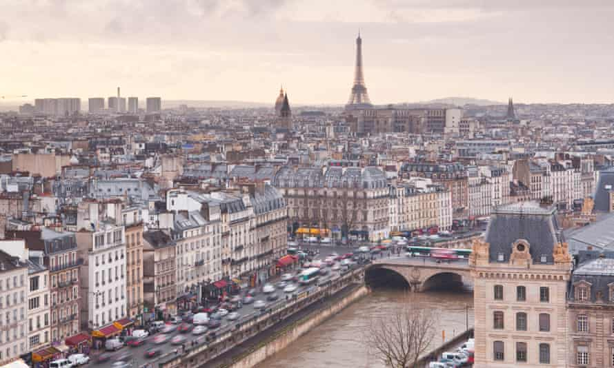 Paris mayor Anne Hidalgo wants the French capital city's historic centre to become 'semi-pedestrianised' as part of her plan to tackle pollution.