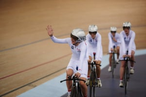 Laura's first taste of competition came in the opening round of the team pursuit, where the quartet qualified first.