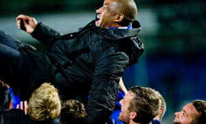 'We love you Brian, we do': players throw the coach in the air after Sarpsborg 08 beat Lillestrøm SK 3-2.