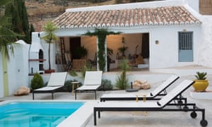 Swimming pool and loungers at the boutique guesthouse Almohalla 51 in Andalucia