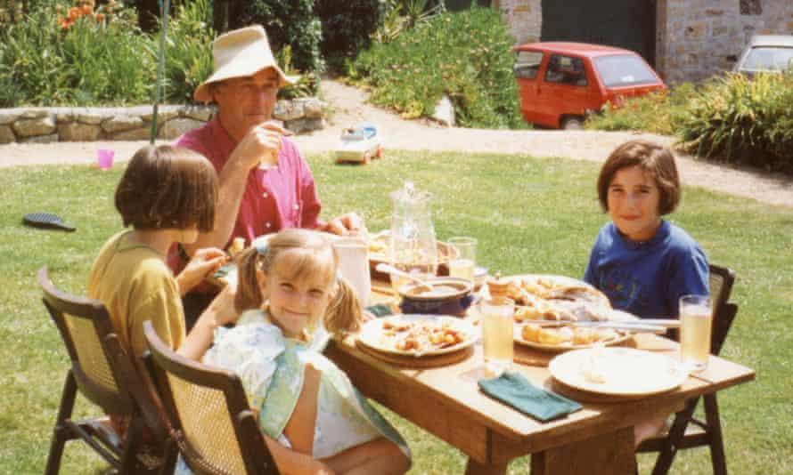 Rebecca Ley picnic