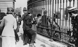 Suffragette demoa Buckingham Palace