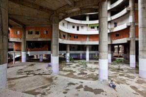 Torre David Caracas: The abandoned building