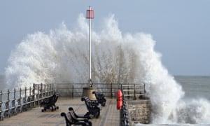 UK: Storm Lashes Swanage