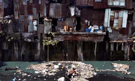 Mumbai slums rag picker