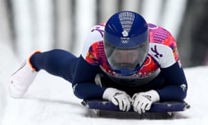 Lizzy Yarnold crosses the line to win gold!