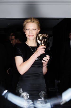 Cate Blanchett with her award.