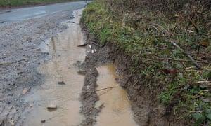 Flooding soil runoff Thames source Kemble
