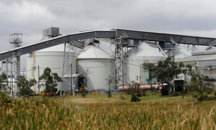 Alcoa To Shed 1 000 Jobs With Shutdown Of Point Henry Smelter And Mills Australia News The Guardian