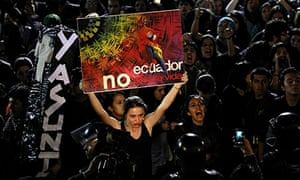 Protesters demonstrate against Ecuador's decision to abandon the Yasuni initiative