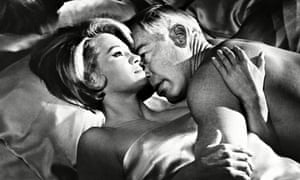 Angie Dickinson, Lee Marvin in The Killers