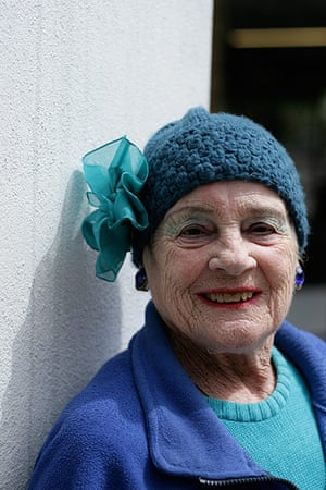 Older Models - Weekend : older woman with blue hat