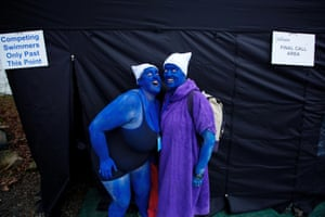 Blue with cold: 'Smurfs' Rebecca Jarre and Kath Elkington messing about before their race.
