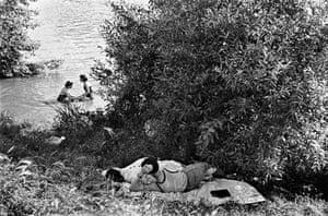 Premiers congés payés, bords de Seine, France, 1936.