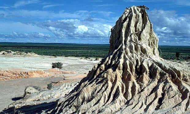 Mungo man - erosion