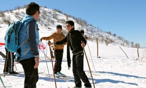 Igor Urizar teaches Syrian child refugees to ski on the slopes of northern Iraq