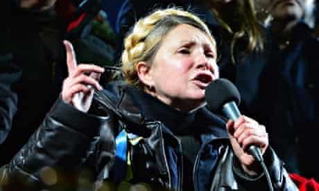 Yulia Tymoshenko addresses the crowd in Kiev's Independence Square