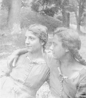 Alice Herz-Sommer: 1915: Marianne and Alice