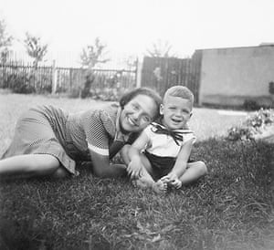 Alice Herz-Sommer: Alice Herz- Sommer with her son Raphael Sommer before their internment in T