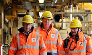 Cameron visits the BP oil platform