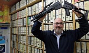 Anti-weapons campaigner Jürgen Grässlin