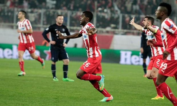 Olympiakos v Manchester United: Champions League – as it ... Joel Campbell Dive