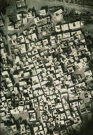 Mogadishu - Lost Moderns: Aerial view of Hamar-Weine (old city), 1923