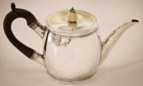 A bachelor teapot from 1799 belonging to Admiral Lord Nelson, from the Stanley J Seeger collection