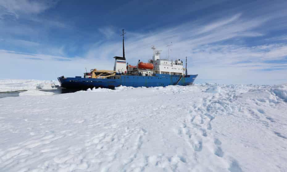Shokalskiy beset in Antarctica