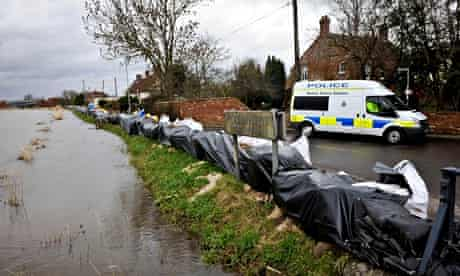 Flood defeences