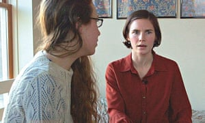 Amanda Knox with her friend Madison Paxton