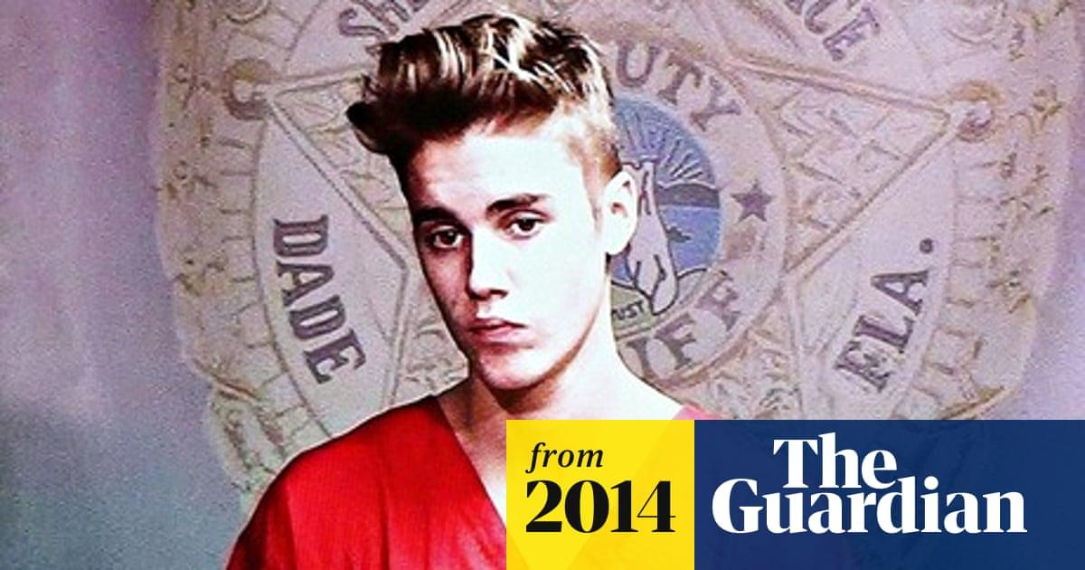 4da8afa7566eb Justin Bieber's cannabis smoke forced pilots to wear masks, report says
