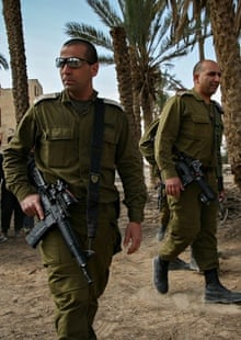Israeli soldiers patrolling through Ein Hijleh