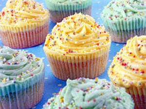 Cupcakes with plastic icing Coloured glitters on cupcakes were bits of plastic film, not permitted for food use.