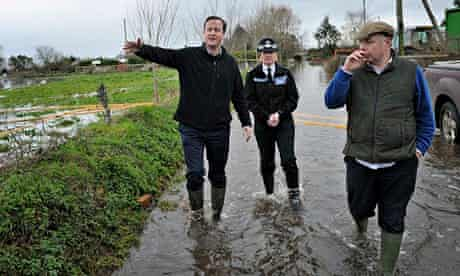david cameron blames last labour government for flooding in somerset