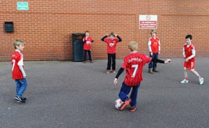 saturday roundup: Young fans play football
