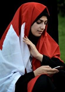 A Bahraini Shia protester