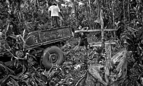 Illegal loggers in Peru